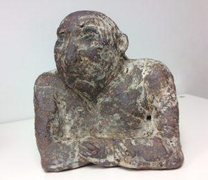 Hana Purkrábkové prodej sochy - pálená šamotová kamenina - Založené tlapky 2018 15-15-10cm